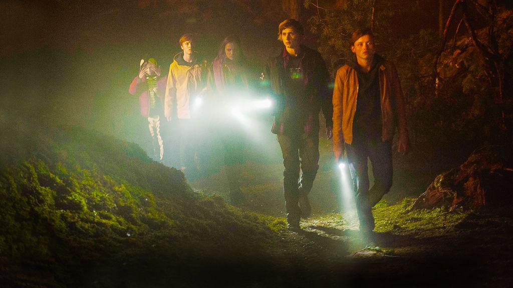 dark, serie tv netflix, dark seconda stagione, recensione finale dark, dark spiegato, come finisce dark?, viaggi nel tempo, salti temporali